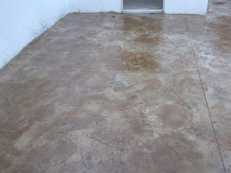 <p>Molde en concreto Stone Texture.<br />Color: Marfil <br />Desmoldante: Maple<br />Ejecución: Solidez.<br />León, Gto.</p>