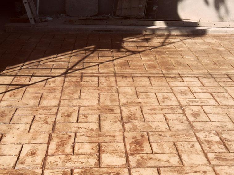 <p>Molde en concreto Hacienda Weave<br />Color: Marfil<br />Desmoldante: Café- chocolate<br />Ejecución: Productos y Servicios Franos, Arq. Francisco Herrejon<br />Mexicali, BC</p>
