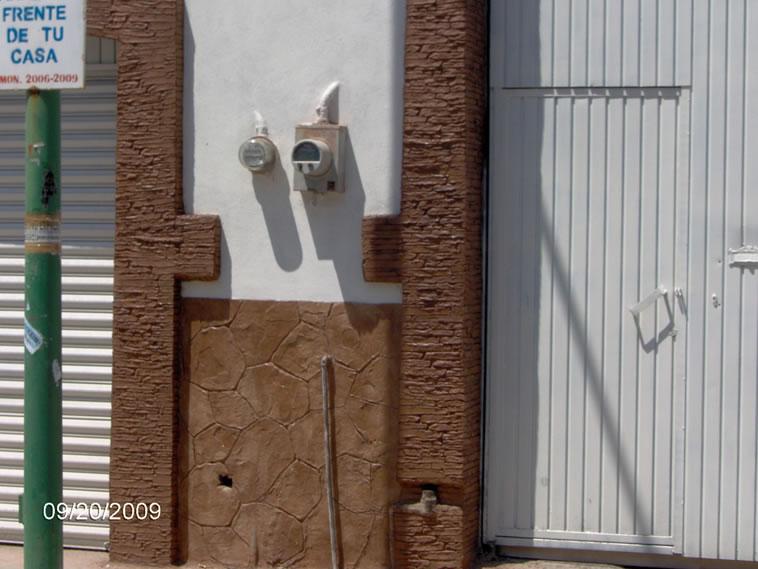 <p>Molde en muro Slab Stone y Patio Stone<br />Color: Beige y Camel<br />Desmoldante: Café- chocolate <br />Ejecución: Solidez<br />San Francisco del Rincón, Gto.</p> <p></p> <p></p>