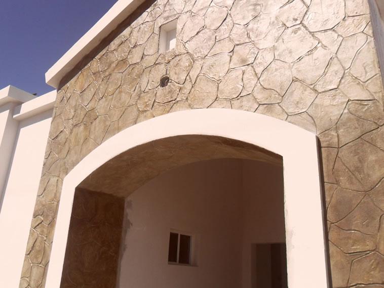 <p>Molde en muro Patio Stone<br />Color: Marfil<br />Desmoldante: Olivo<br />Ejecución: Productos y servicios Franos, Arq. Francisco Herrejon<br />Mexicali, BC</p>
