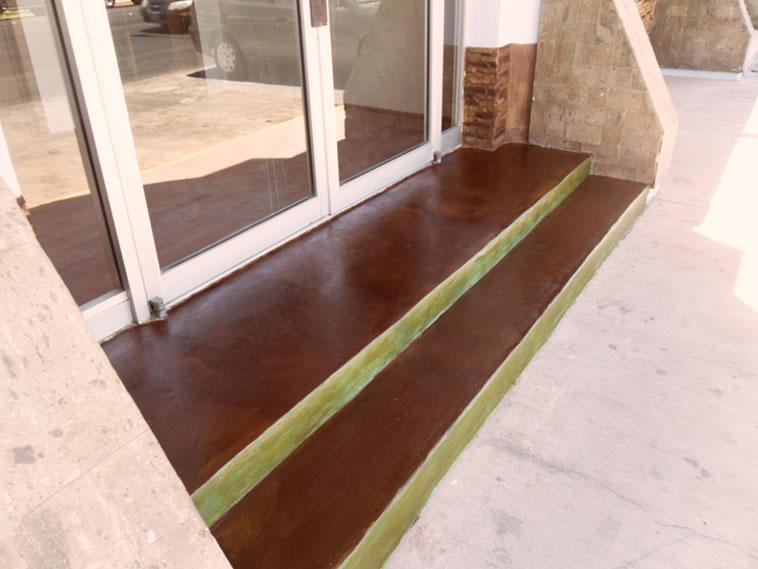 <p>Concreto Oxidado<br />Color: Sunshine y Jade<br />Ejecución: Productos y Servicios Franos, Arq. Francisco Herrejon<br />Mexicali, BC</p>