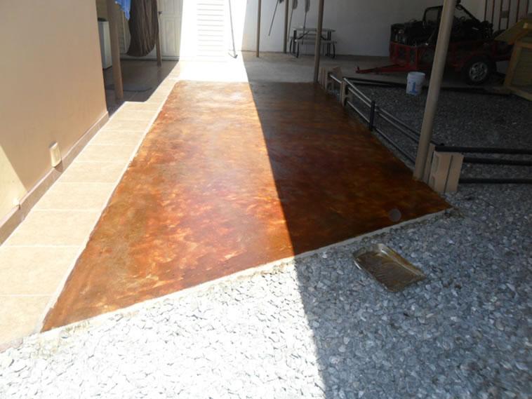 <p>Concreto Oxidado<br />Color: Habana<br />Ejecución: Productos y Servicios Franos, Arq. Francisco Herrejon<br />Mexicali, BC</p>